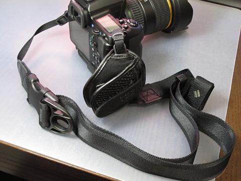 デジ一には38mmを(Pentax K-7 + Ninja Strap 25mm + カメラグリップ)<br />